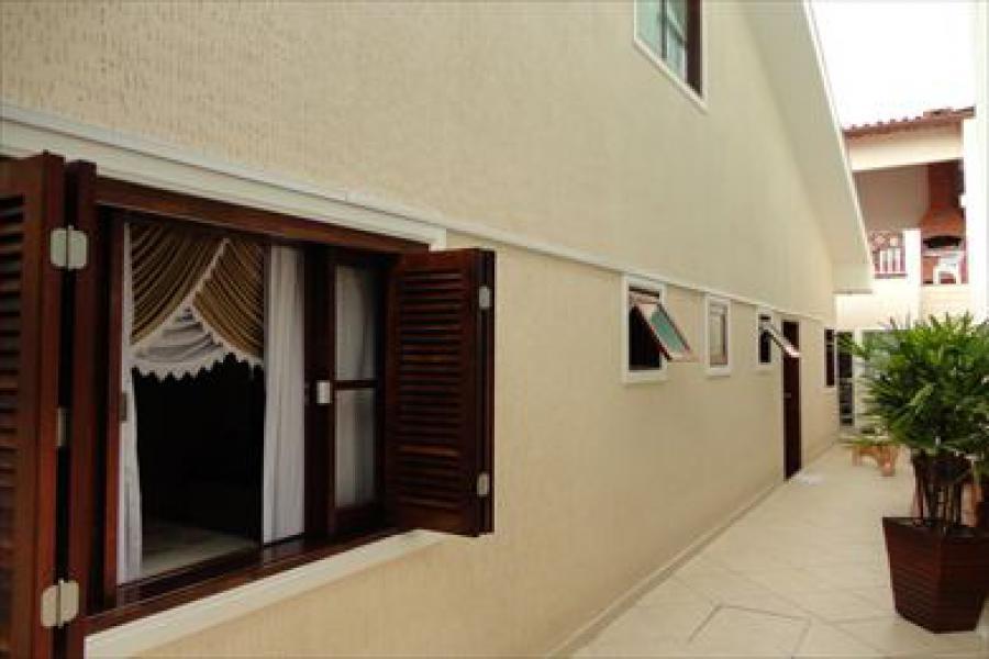 Casa para Venda por R$910.000,00 - Jardim helena , São paulo / SP